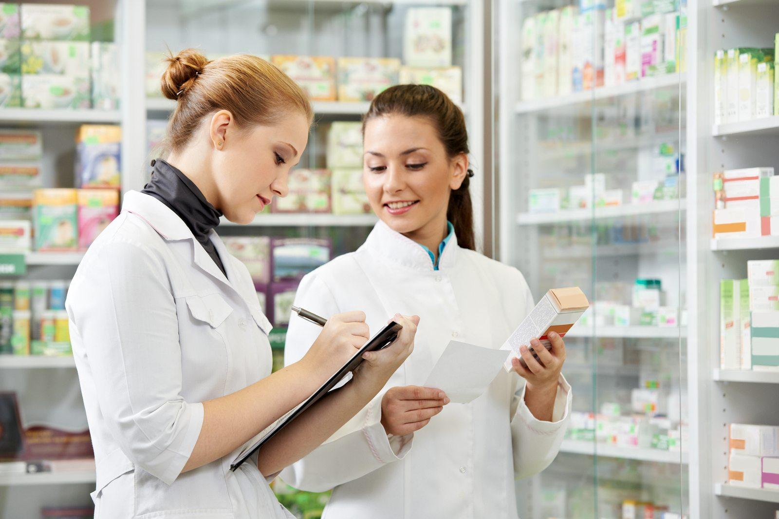Vragen om te stellen om erachter te komen of de online apotheek betrouwbaar is