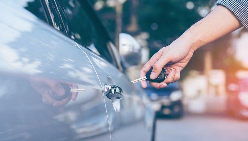 Lees hier waarom je niet zelf je kapotte autosleutel moet repareren